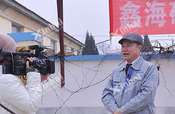 Mr.-Zhang-is-in-the-interview-with-Fushan-District-TV-Station